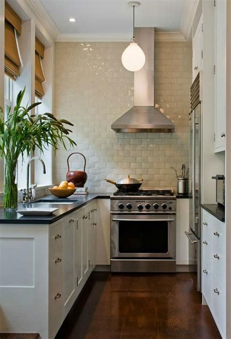 ideas for narrow kitchens 25 best ideas about narrow kitchen on