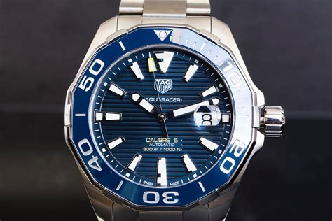 Tag Heuer Calibre 5 look aquaracer 300m calibre 5 ceramic 43mm the