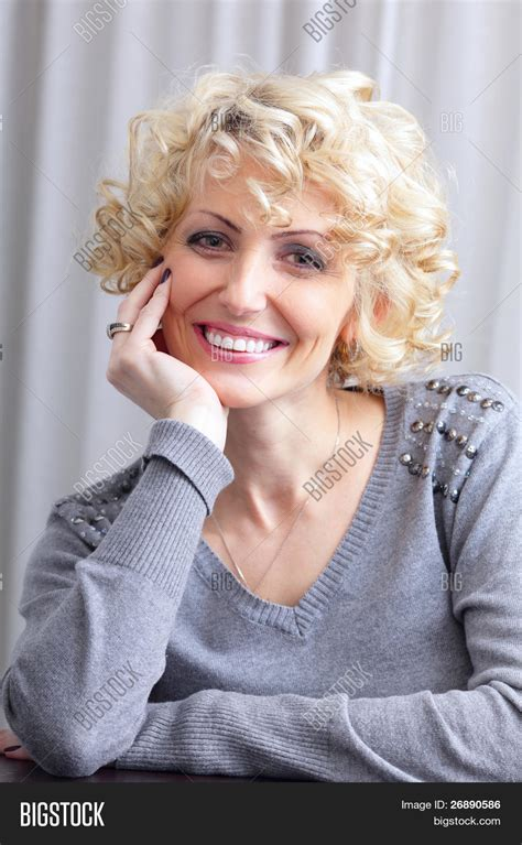 hairstyles for blonde middle aged women haircuts for middle aged woman blonde haircuts models ideas