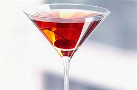 manhattan drink manhattan cocktail recipe goodtoknow