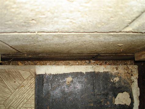 gap between slab and basement wall flooring foundation