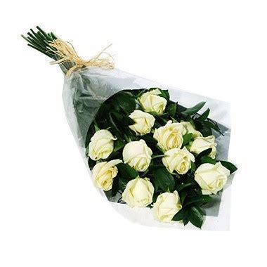 one dozen white roses bouquet republica_dominicana florist