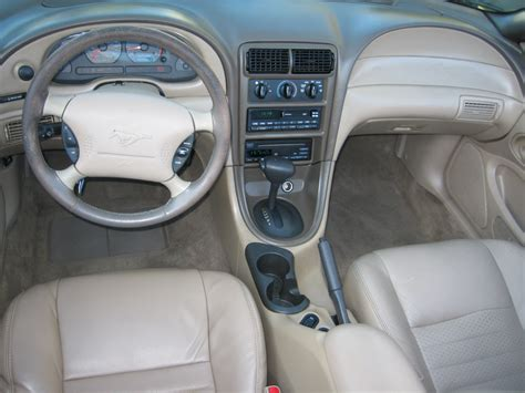 2000 mustang gt interior 2000 ford mustang interior pictures cargurus