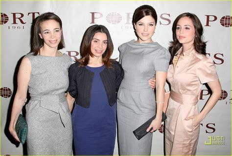 Bush Fashion Weeks Busiest by Bush Is A Fashion Week Freak Photo 907981