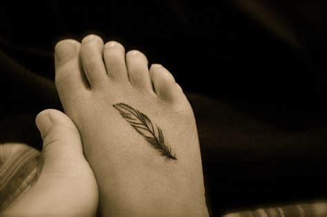 small feather foot tattoo tattoobite com