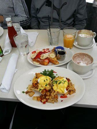La Jolla Cottage Restaurant Baja Chicken Hash And Country Style Toast Picture