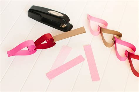 How To Make Paper Chain - how to make a s day countdown paper chain how