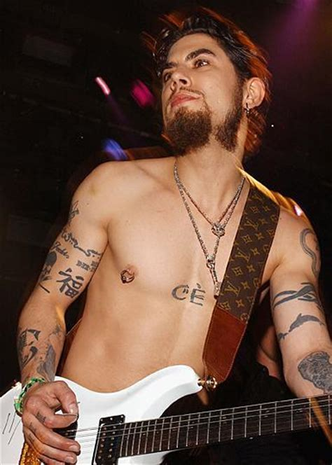 dave navarro neck tattoo dave navarro piercing