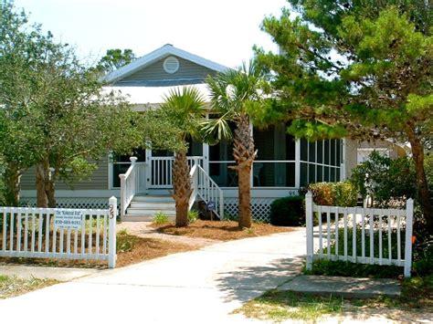 Beachfront Cottages In Destin Florida by The Kokonut Hut Destin Weekly Rentals