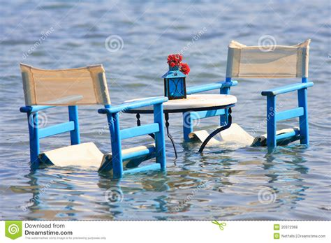 table in the sea royalty free stock photos image 20372368