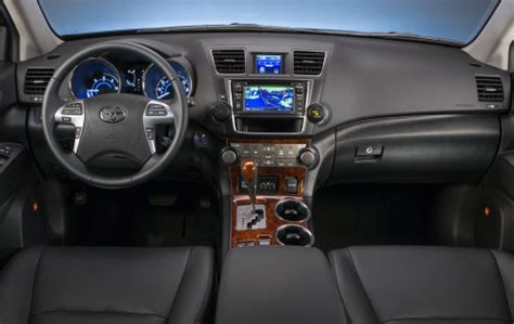the 2013 toyota highlander hybrid limited dash | torque news