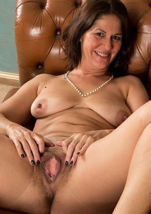 Naked Mature Women Nude Milfs Free Mature Porn