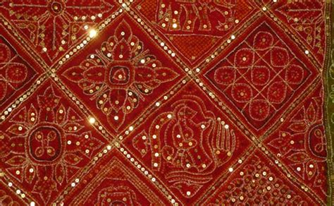 Gujarati Textile Handicraft is Rich, Elegant & Flamboyant