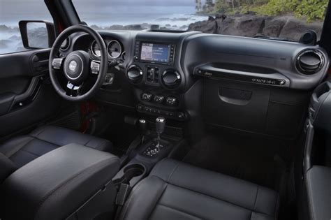 Jeep Wrangler Unlimited Automatic Vs Manual Jeep Announces 2012 Wrangler Unlimited Altitude Edition