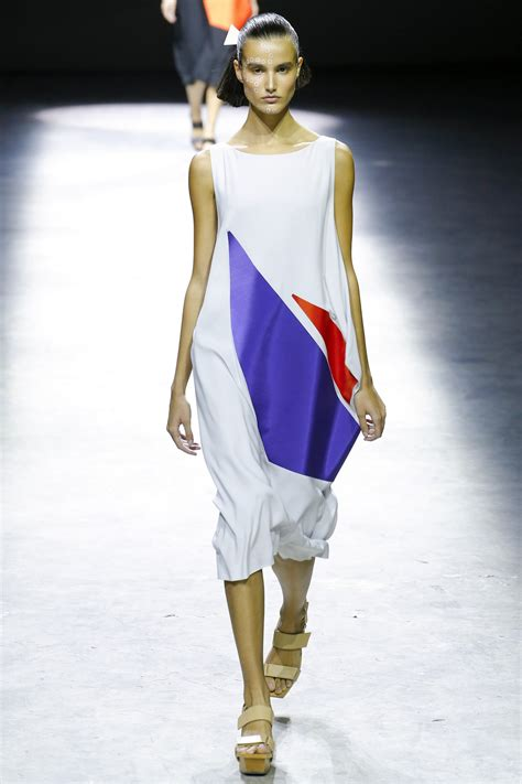 Issey Miyakes Populist Fashion by Issey Miyake 2017 Ready To Wear Collection Photos