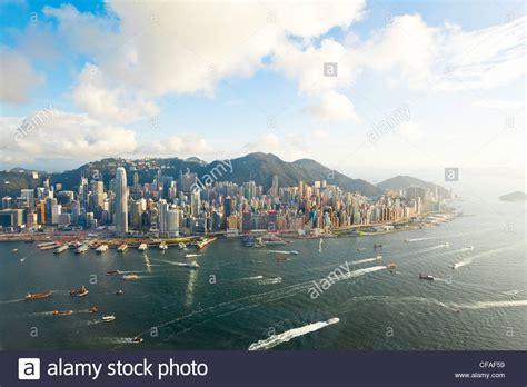 porto di hong kong vista in elevazione attraverso trafficato porto di hong