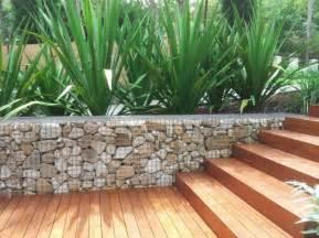 mur en gabion comme un 233 l 233 ment d 233 coratif dans le jardin
