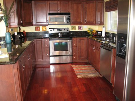 Ideas For Kitchen Floor Coverings For Modern Kitchen Designs Designer Kitchens Contemporary Kitchen Luxury Laminate Tile Flooring