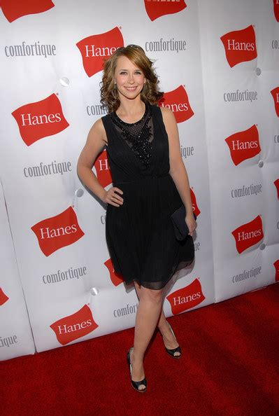 Hanes Comfortique Event In Los Angeles With Hewitt by Hanes Comfortique Pop Up On Place Zimbio