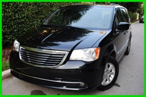 Best Back Offers On Cars by Buy Used 2011 Chrysler Town Country Touring Back Up