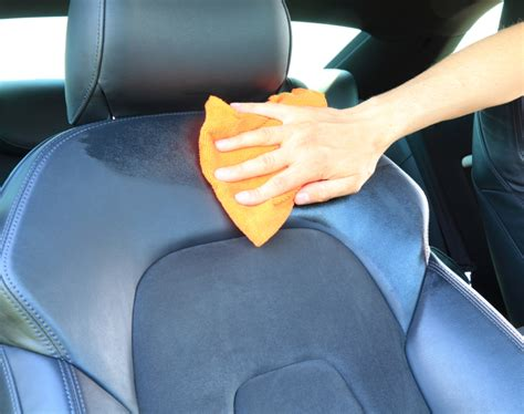 Clean Upholstery In Car by How To Clean Leather Car Seats Meineke