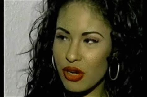 selena gomez biography in spanish celebrate the life of selena quintanilla with this easy
