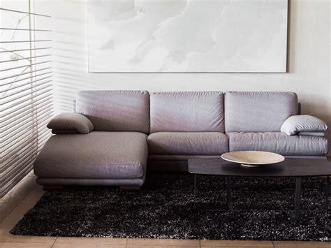 outlet divani e divani by natuzzi divano con penisola plaza divani divani by natuzzi