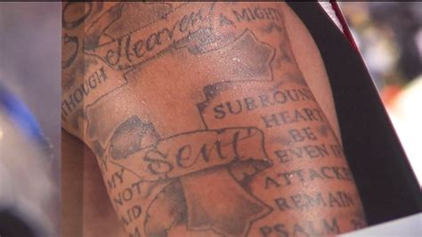 kaepernick tattoo the artist kaepernick s tattoos and what and