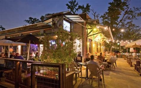 Patio Restaurants In Houston by 1000 Ideas About Restaurant Patio On