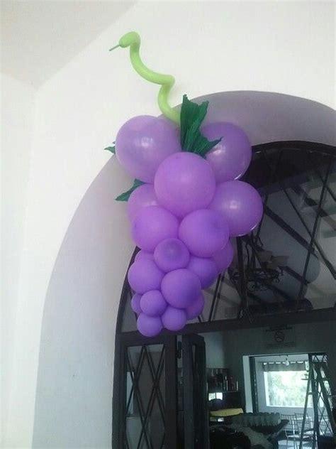 imagenes de uvas para primera comunion decoracion primera comunion uvas en globos primera