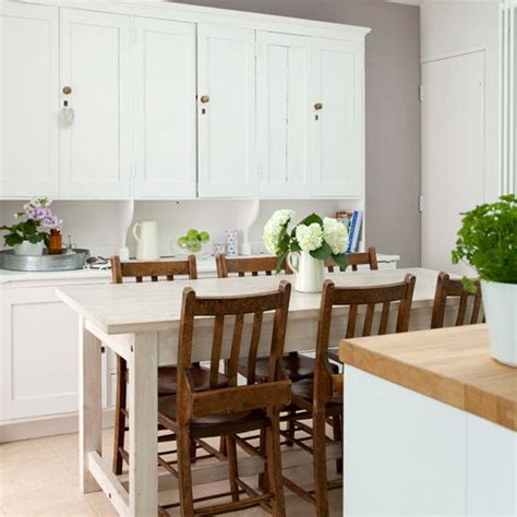 Dining table in kitchen   Elegant and contemporary house