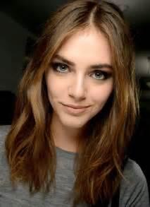 frisuren schulterlanges haar bilder 1000 ideen zu schulterlange frisuren auf schulterlanges haar halblange kurze haare