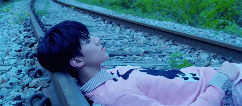 what of is right for me exo s me right is an aesthetic seoulbeats