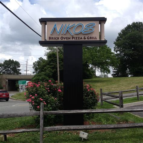 Signs And Awnings Pylon Signs Aerial Signs And Awnings