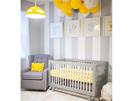 chambre enfant jaune deco jaune chambre bebe chaios com