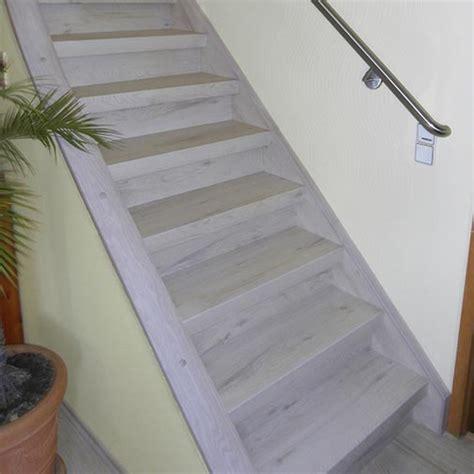 holzgeländer treppe treppe mit dekor