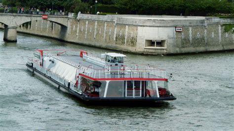 bateau mouche le zouave location de bateaux 224 paris le zouave come to paris