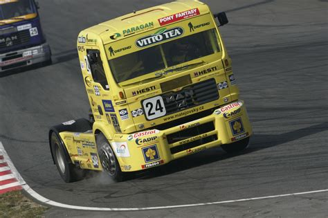 trucks race race truck photos photogallery with 4 pics carsbase com
