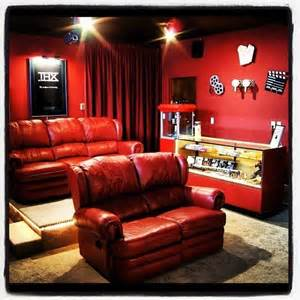 home theater decorating ideas on a budget tips to build a home theater on a budget lushes curtains