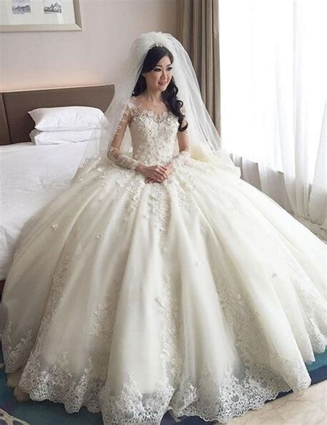 Poofy Wedding Dresses by Big Poofy Weeding Dresses With Sleeves Where Is Lulu