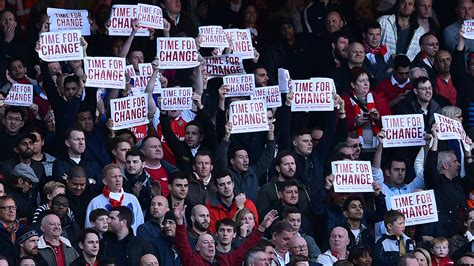 arsenal fans wright delighted with arsenal fans emirates protest