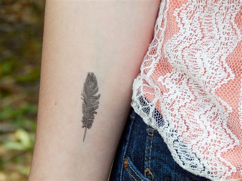 Lolitattoo Temporary Brown Feather feather temporary boho style feather