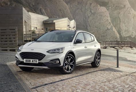 ford crossover 2019 ford focus unveiled active crossover st line added