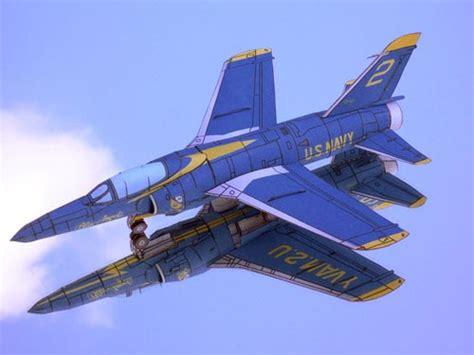 Papercraft Jet - f11f 01 500 jpg