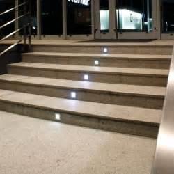 wandeinbaustrahler treppe led treppenleuchte treppenstrahler f 252 r wandeinbau