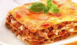 Italian Kitchens crowd act italian cuisine