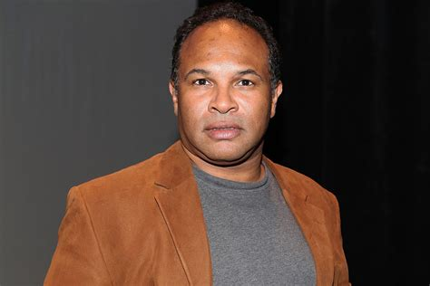 actor geoffrey owens from the cosby show woman regrets photos of cosby show star geoffrey owens