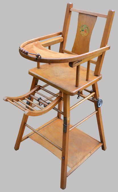 Chaise Haute Enfant by Chaise Baumann Haute Pour Enfant Transformable En Table Basse