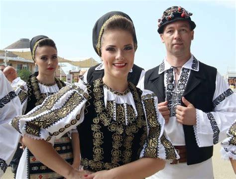permesso di soggiorno per rumeni balli e canti romeni selezioni aperte per un nuovo gruppo