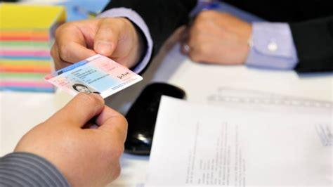 permesso soggiorno scaduto permesso di soggiorno scaduto all estero cosa fare